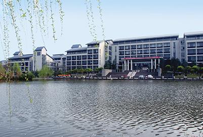 目前重庆高级护理专业的就业方向怎么样呢?